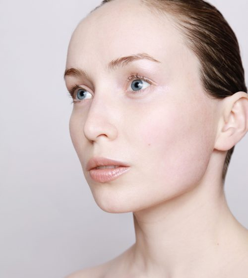 The Black Doll Carbon Facial | Reduce Large Pores With These Therapy